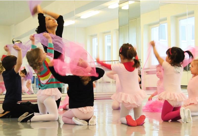 Bewegungsangebot für Kinder Tanzschule Biggi Klömpkes